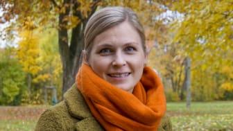 Lisa Källström, universitetslektor i företagsekonomi, gillar att forska i ämnet samverkan och att samarbeta med andra – så det gifter sig bra.