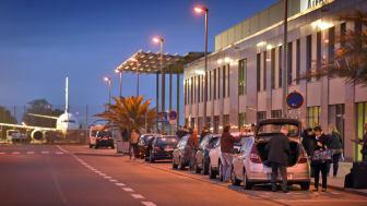 Seit dem ersten Flug 2003 haben sich mehr als 27 Millionen Fluggäste für den niederrheinischen Flughafen Weeze entschieden. Die Anreise ist bequem und die Wege im Flughafen kurz.