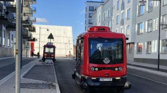 Elektrifierad självkörande buss.