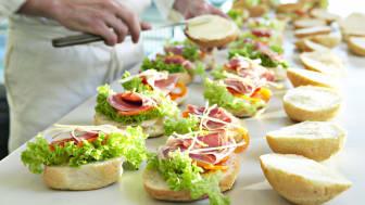 Salget af økologi til storkøkkener slår rekord