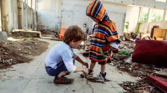 Die Corona-Pandemie wird nach Befürchtungen der SOS-Kinderdörfer dazu führen, dass bis zu 30 Prozent mehr Kinder in Europa ihre Familie verlieren. Foto: Katerina Ilievska, Rumänien (Foto nur zur Verwendung im Kontext der SOS-Kinderdörfer)