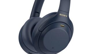 Le casque référence de Sony WH-1000XM4 se décline dans la reine des couleurs : le coloris Midnight Blue