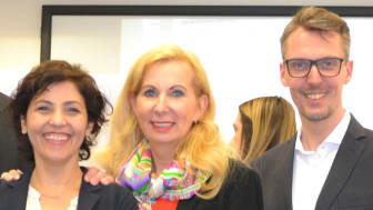 (v.li.): Prof. Dr. Esin Bozyazi, Prof. Dr. Sonja Salmen, Prof. Dr. Lars Castellucci. Foto: Franz Motzko