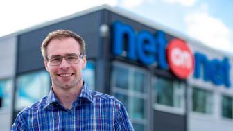 - Det är jättekul att kunna erbjuda våra kunder ökad valfrihet, säger Stefan Svensson, logistikchef för NetOnNet. Foto: Linda Söndergaard.