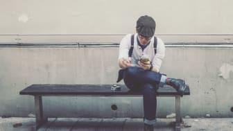 Sliter du med å betale mobilregningen? Det er du ikke alene om. 20 prosent av Lindorffs inkassosaker stammer fra telekom. Foto: Pixabay