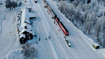 En avgörande del för inlandets attraktionskraft är koldioxidfria transporter för att människor ska vilja fortsätta färdas hit. Foto: John Nilsson/Inlandsbanan