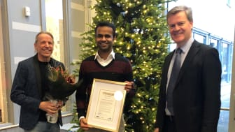 Gratulationer till stipendiaten från Per Nylén från Institutionen för ingenjörsvetenskap tillsammans med Henrik Runnemalm, GKN Aerospace.