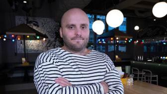 Oskar Lundberg i restaurangen på Boulebar Liljeholmen
