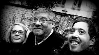 Programledarna för UR:s Mifforadio är årets folkbildare