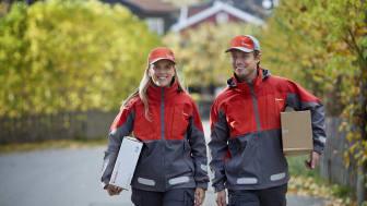 Med økende netthandel, får postbudene stadig flere pakker å levere. FOTO: Posten / Veslemøy Vråskar