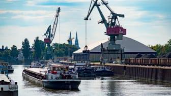 Bei Bayernhafen informierte PROCAD gemeinsam mit ihrem Kunden Strama-MPS darüber, wie man mit PLM-Software Beziehungswissen aufbaut. Foto: Bayernhafen GmbH & Co. KG