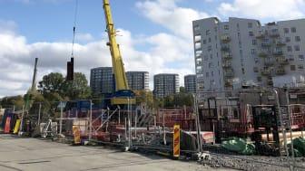 På Mandolingatan i Göteborg byggs det på bilparkeringsytorna. Foto: Framtiden Byggutveckling AB.