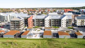 Riksbyggens Bonum Brf Pepparmyntan är byggd enligt kraven för Mljöbyggnad silver. Detta innebär bland annat låg miljöbelastning med god innermiljö, sunda material och att huset har projekterats med högt ställda energikrav.