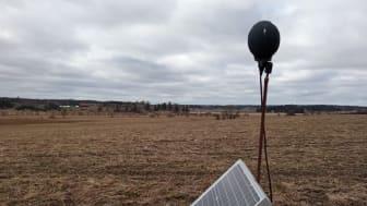 Så här ser utrustningen ut som mäter hur mycket flygplan låter. Foto: Anders Johansson