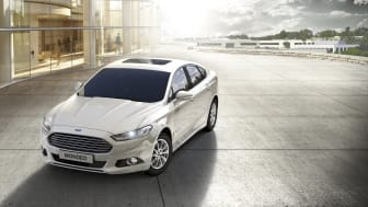Uusi Ford Mondeo Hybrid