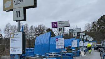 Nya skyltarna på Boo kretsloppscentral