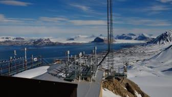 Målingene på Zeppelin-observatoriet på Svalbard gir informasjon om utviklingen i bakgrunnsnivåkonsentrasjonene av klimagasser i Arktis og hele nordlige halvkule. Alle de 46 gassene i overvåkningsprogrammet blir målt her.  Bilde: Markus Fiebig / NILU