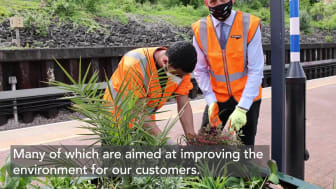 Rail Minister meets Green Team trainees on station garden project