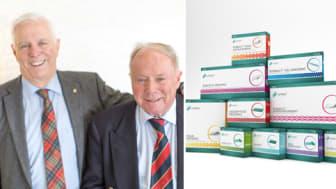 Bröderna Jan och Leif Smith med sin globala storsäljare Sorbact®, ett sårförband som förebygger sårinfektioner och förhindrar antibiotikaresistens.