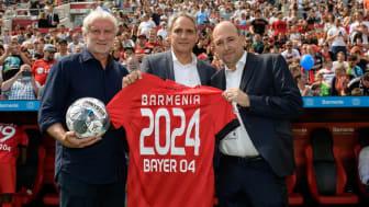 Rudi Völler (Bayer 04 Leverkusen, Frank Lamsfuß (Barmenia), Fernando Carro (Bayer 04 Leverkusen)