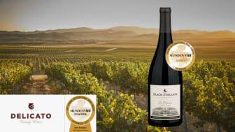 Två guldmedaljörer - Delicato Family Wines vingårdar i Kalifornien och Black Stallion Pinot Noir
