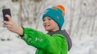 Smart Barn og Smart Ung er abonnement skreddersydd for de yngste mobilbrukerne.