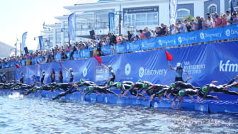 Elite triathletes take to the water at the 2019 Discovery Triathlon World Cup Cape Town