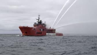 """""""Det er jo det, vi træner til hver dag"""" siger 'Esvagt Caroline'-skipper Leif V. Frost om den vellykkede redningsaktion."""