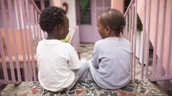 """""""La Maison Rose"""" i Senegal - ett skyddat boende för kvinnor och flickor, och som drivs med stöd av Rädda Barnen.  Foto: Guilhem Alandry"""