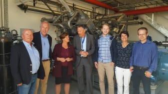 Representanter fra Tafjord Kraftvarme, Tine Meieriet Ålesund og Olvondo Technology sammen med orfører Eva Vinje Aurdal under åpningen av anlegget i mai 2018.