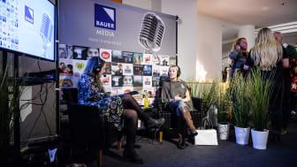 Yasmine Winberg (Resumé) pratar med Clare Bowen (Radiocentre UK) om världens bästa radiospotar