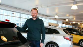 En bekreftelse: Ass. Daglig leder for Toyota forhandleren Nordvik i Trøndelag, Nordland og Troms, Bjørnar Hansen. Foto: Nordvik.
