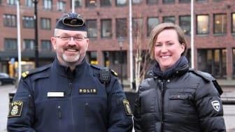 Kenneth Mattsson, kommunpolis på lokalpolisområde Halmstad, och Therese Wallgren, trygghetsstrateg på Halmstads kommun, hoppas på många svar.