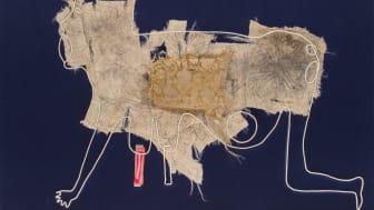 Éva Mag, Embossment - point lace, 2018. Textil i ram av konstnären (plexiglas, trä och aluminum), 91,5 x 121,5 x 5 cm