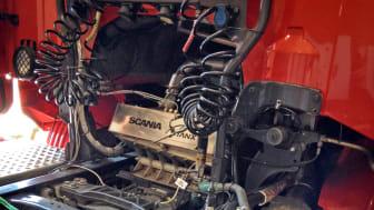 """""""Av de 60 procent av bränsleenergin som inte används att driva lastbilen framåt försvinner 30 procent i värme endast från avgasrören"""", berättar KTH-forskaren Arash Risseh."""