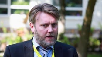 Kjell-Terje Torvik intervjuas i Afghanistan.