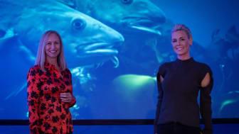 SAMARBEIDER: Administrerende direktør i Norges sjømatråd, Renate Larsen (til venstre), og EATs grunnlegger og arbeidende styreleder Gunhild Stordalen. Foto: Norges sjømatråd