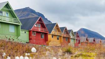 Complete-Spitsbergen-Expedition_Illustration-Photo_Longyear-City©Hanne-Feyling_Spitsbergen-Travel