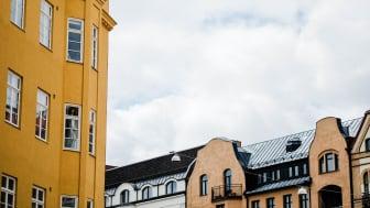 Så mycket ökar värdet om din lägenhet har balkong med söderläge