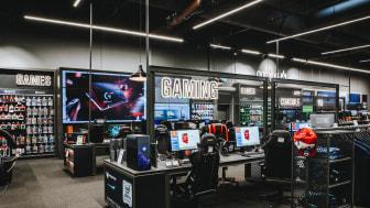 Flere hundrede gaming-maskiner fra Elgiganten er de sidste dage blevet koblet på det verdensomspændende Folding@Home-netværk, som lader privatpersoner donere datakraft til forskning.