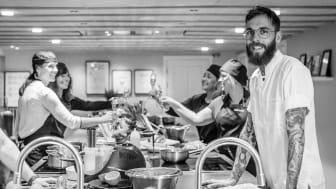 Ett ännu bättre studiokök gör oss alla till vinnare. Med samarbetet med ASKO blir vi helt enkelt som ett schysst levande showroom, säger Tommy Eriksson, gastronomisk ledare på Högberga Gård.