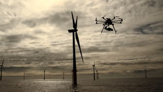 Vingeinspektioner er på nuværende tidspunkt omkostnings- og tidskrævende, men EWPL Ocean gør om på dette ved at samle opgaverne i deres service train og benytte sig af den seneste teknologi. Foto: helvetis.com