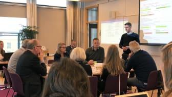 Dagens deltagare diskuterar hur man ska agera vid ett betalstopp.