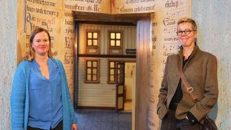 Skara kulturchef Åsa Veghed, här tillsammans med Katti Hoflin kulturchef för Västra Götalandsregionen.