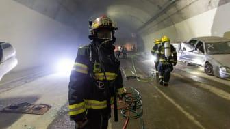Liv og død i tunnelbrann: - Ha alltid flukthette i bilen