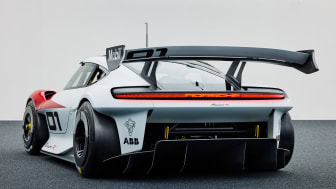 04 Porsche Mission R.jpg