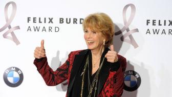 Stiftungs-Vorstand Christa Maar freut sich über Engagement gegen Darmkrebs