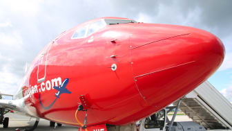 Morro de Boeing 737 de Norwegian, 'red nose'.