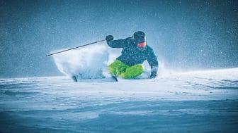 Die neue Maier Sports Skikollektion 2020/21 lässt nicht nur Farben leuchten