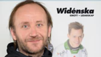 Lärare på Widénska hjälpte landslaget till VM-silver i bandy